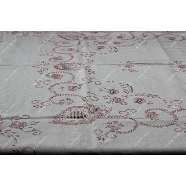 2,50x1,70-TABLECLOTH IN PINK TEA LINEN EMBROIDERED IN LIGHT PINK